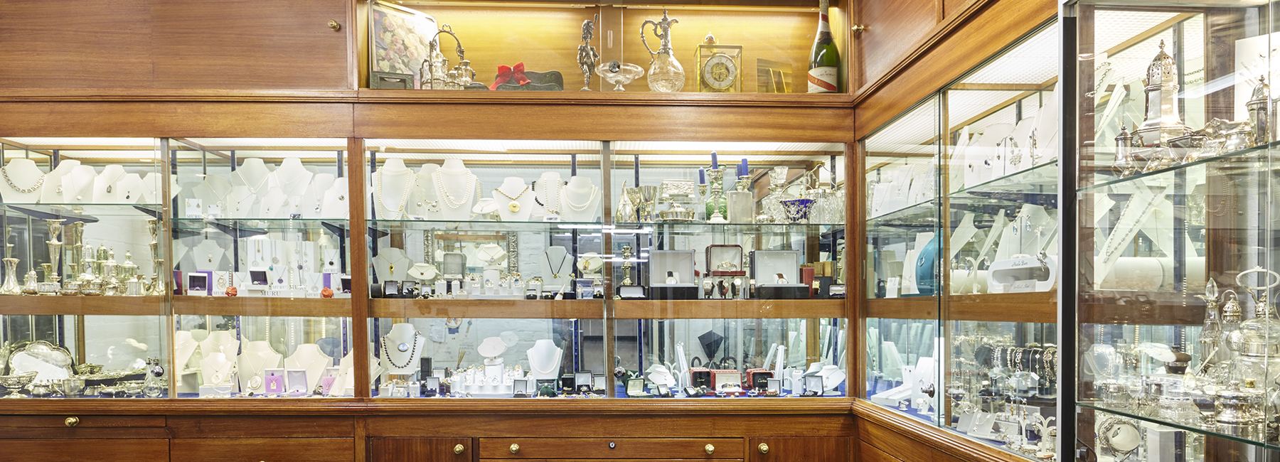 Belmont Jewellers in the London Silver Vaults